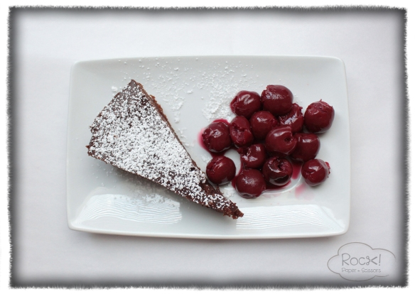 chocoduvdev cake+cherries top